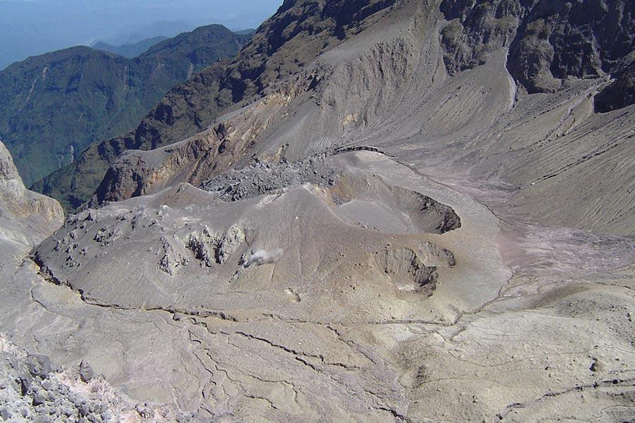 guagua-pichincha-condortrekk-tour-expeditions